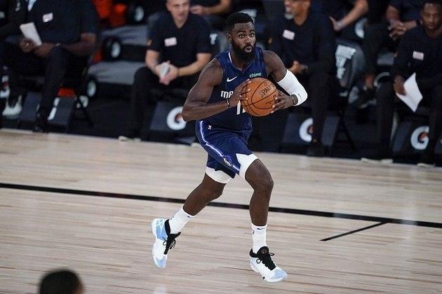 Depois de fazer 24 pontos na derrota para o Houston Rockets, o ala Tim Hardaway Jr. (Dallas Mavericks) saiu de quadra com apenas dois diante do Phoenix Suns, na noite de domingo. Hardaway Jr. errou 11 dos 12 arremessos e não acertou nenhuma das oito tentativas de três pontos