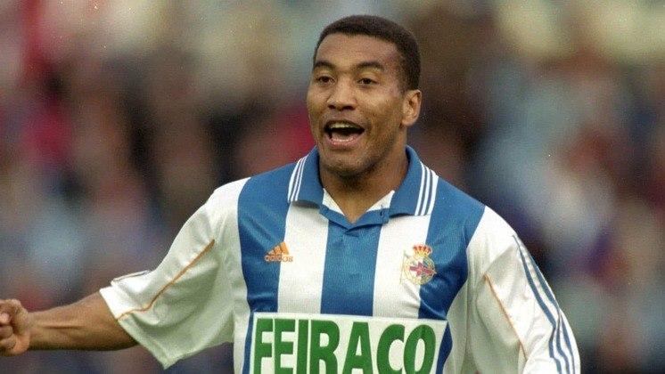 Deportivo La Coruña - Campeão espanhol em 2000 e a casa de brasileiros como Bebeto, Mauro Silva, Djalminha e Rivaldo, o La Coruña flertou com a falência quando o clube estava na segunda divisão espanhola.
