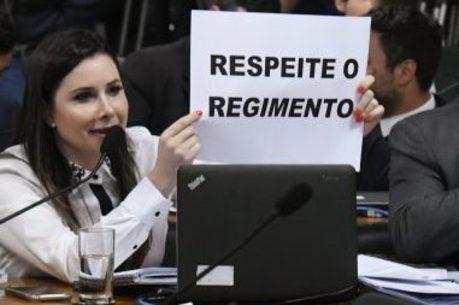 Caroline de Toni protestou contra CPMI das Fake News
