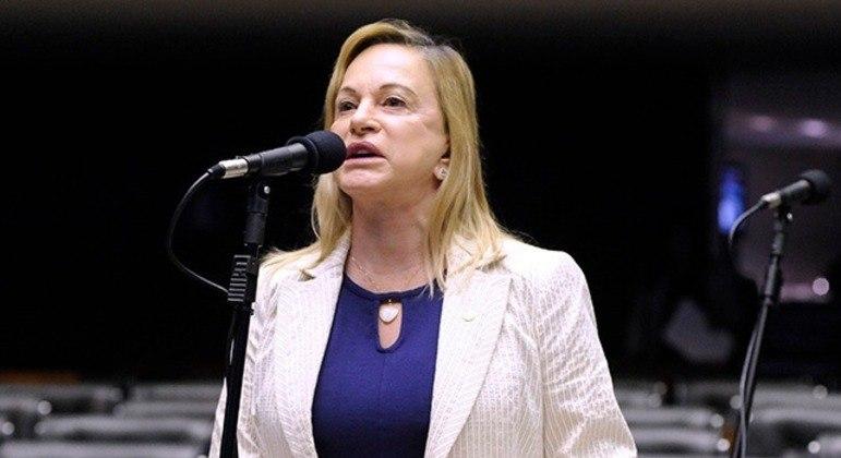 Magda Moffato (PL-GO) vai relatar a prisão do colega Daniel Silveira (PSL-RJ) na Câmara