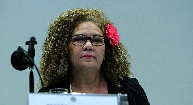 A deputada Perpétua Almeida é autora da PEC e já tem o apoio de 189 parlamentares