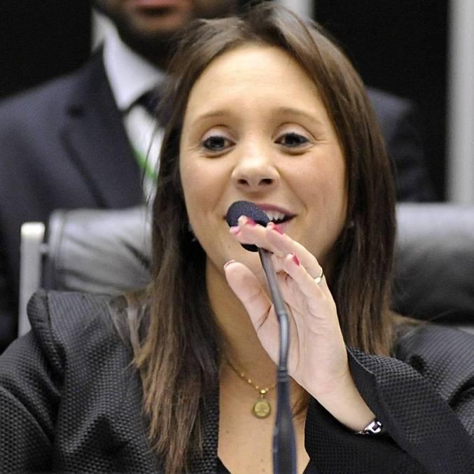 Deputada Renata Abreu, luta por representatividade feminina na Câmara