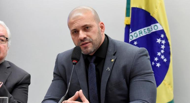 Deputado Daniel Silveira (PSL-RJ) foi preso ontem à noite em Petrópolis (RJ)