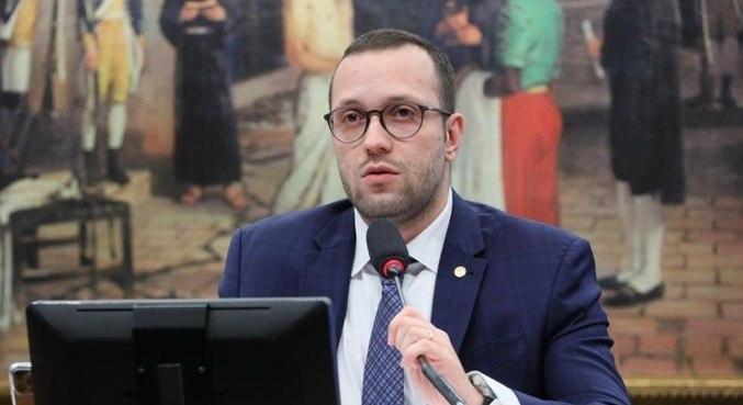 O deputado federal Filipe Barros (PSL-PR), em audiência pública sobre cédulas físicas