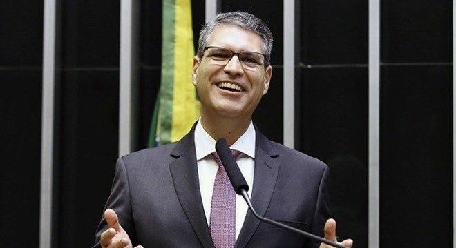 Na imagem, Francisco Jr. (PSD-GO), deputado relator da comissão