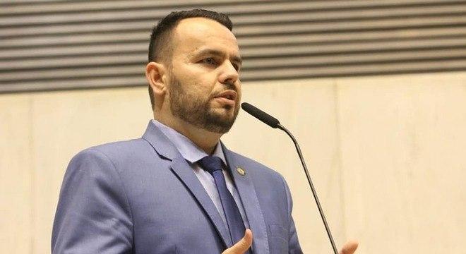 Líder do PSL, Gil Diniz deve orientar deputados sobre reforma da Previdência