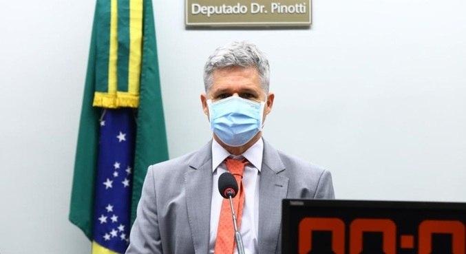 Deputado Paulo Teixeira (PT - SP), presidente da comissão
