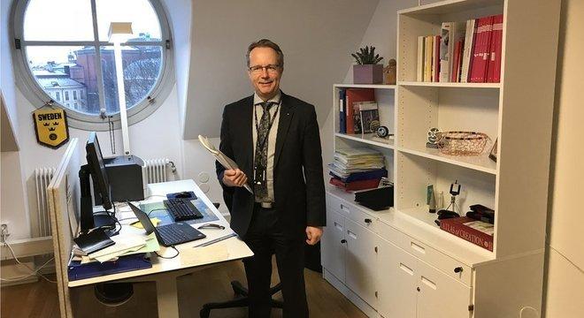 Assessores? Deputados, como Per-Arne Håkansson, não têm nenhum – ficam sozinhos em seus pequenos gabinetes