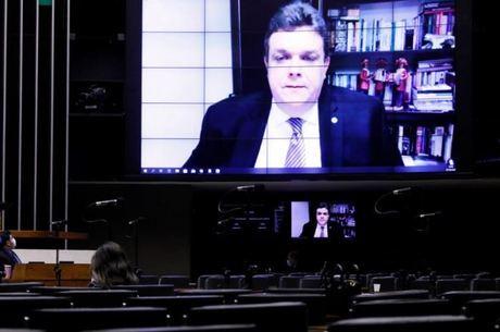 Líder do PDT, Wolney Queiroz, em sessão virtual da Câmara