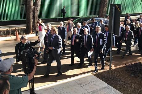 Deputados e senadores chegam ao STF para reunião
