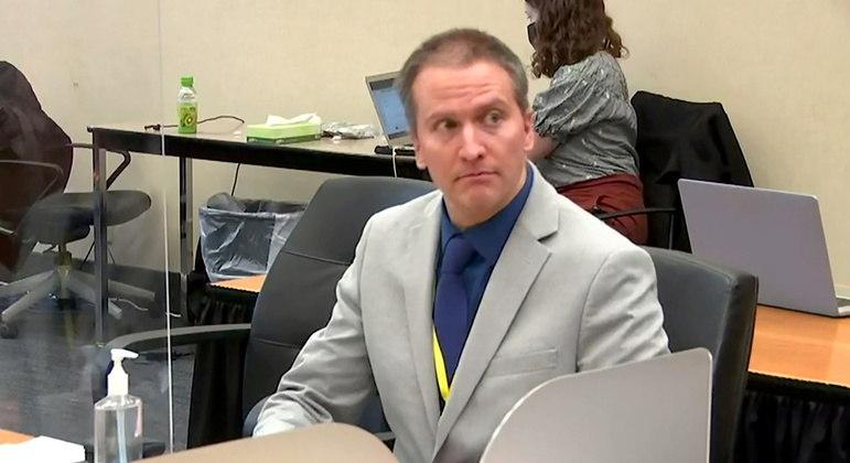 """Derek Chauvin, acusado do assassinato """"em segundo grau"""" de George Floyd"""