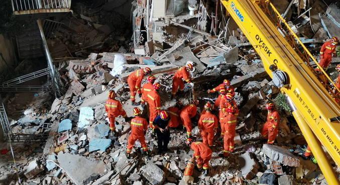 Queda de hotel na China deixa pelo menos 8 mortos