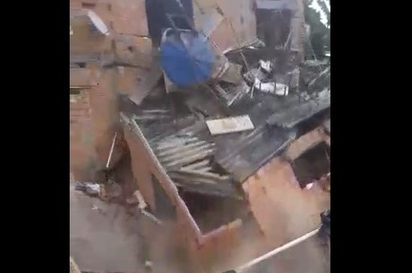 Imagens mostram momento do desabamento