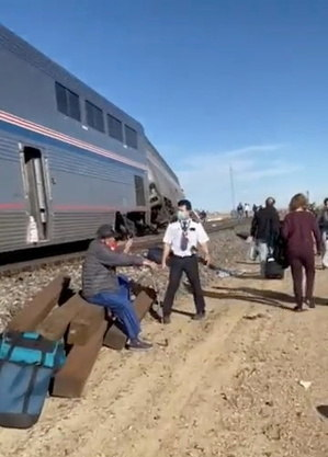 Cerca de 141 passageiros viajavam de Chicago no trem
