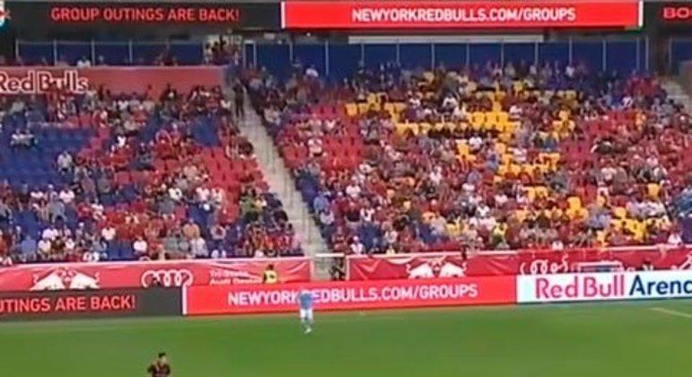 Desde junho, com a suspensão das restrições anunciada pelas autoridades dos Estados Unidos, as arenas esportivas já poderiam receber torcedores em 100% de suas capacidades. Logo, a MLS tem liberação para público total.