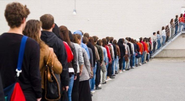 Taxa de desemprego entre os jovens de 18 a 24 anos é de 29,8%