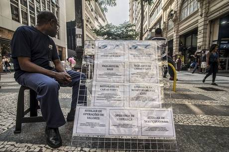 Taxa do desemprego é de 13,4%