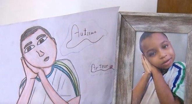 Desenhos são feitos por Thiago, irmão gêmeo de Arthur