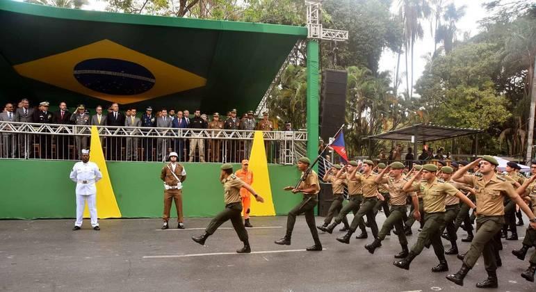 Registro do do desfile cívico-militar de 7 de setembro, em Belo Horizonte, há dois anos