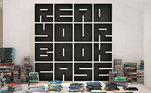 Livros organizados com estilo é a proposta desta estanteSimone Mendes mostra projeto 'milionário' do quarto da filha