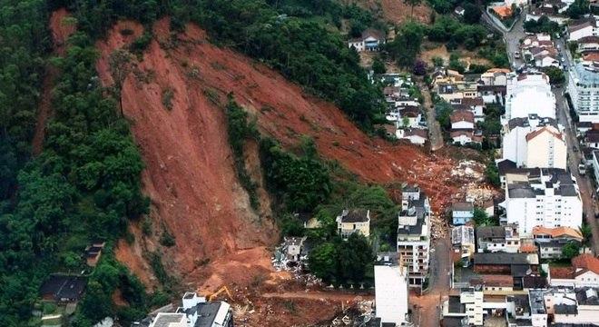 Deslizamentos de terra são os mais frequentes problemas geológicos no país