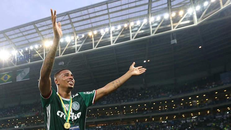 Despedida de Gabriel Jesus: No meio da festa pelo título, o adeus do atacante, já negociado com o Manchester City, da Inglaterra. Em declaração emocionada no Allianz, ele agradece o carinho do palmeirense.