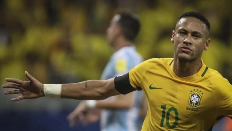 Dessa vez, Messi fez uma partida apagada e viu Neymar dominar a partida. Com uma assistência e um gol do camisa 10, a seleção brasileira derrotou a Argentina. No final, Paulinho fez mais um para decretar o placar