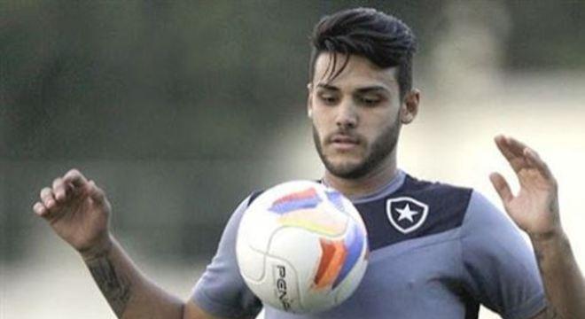 Destaque do Campeonato Paulista com o Santo André, atacante chega para setor que conta com Brocador e Elton