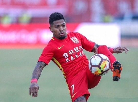 Destaque do Santos no ano, o atacante Marinho também passou pela Ásia, quando jogou no Changchun Yatai, da China. Na equipe, fez 22 jogos e três gols, nas temporadas de 2017 e 2018.