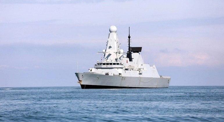 Documentos mostram movimentações do navio HMS Defender, segundo governo britânico