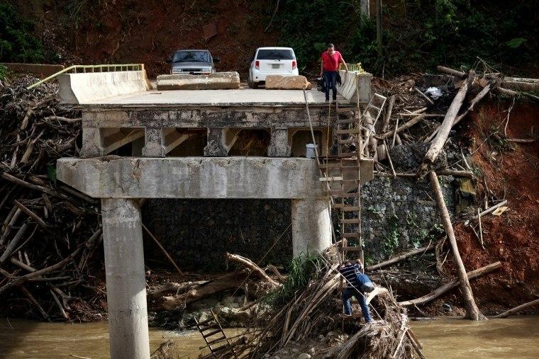 Porto Rico estima que mais de 1.400 morreram após furacão Maria