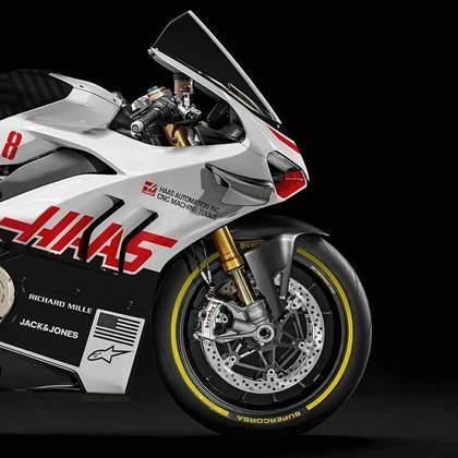 Detalhe da parte da dianteira da pintura da Haas na MotoGP