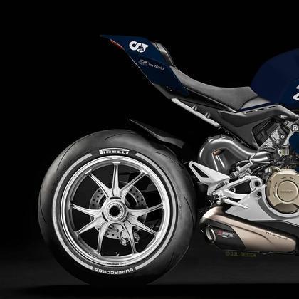 Detalhe da parte da traseira da pintura da AlphaTauri na MotoGP