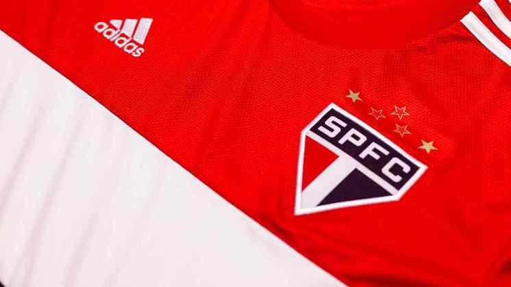 Detalhes da região do escudo do São Paulo na nova camisa