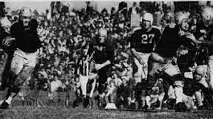 Detroit Lions (1940). Onze derrotas na temporada. 68 depois e os Lions novamente envergonharam a capital de Michigan.