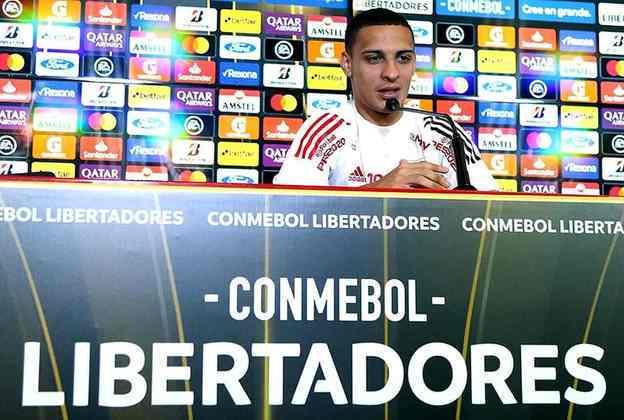 Deu tempo, pelo menos, de realizar o sonho de disputar uma partida de Libertadores no Morumbi lotado: o jovem foi bem na vitória por 3 a 0 sobre a LDU.