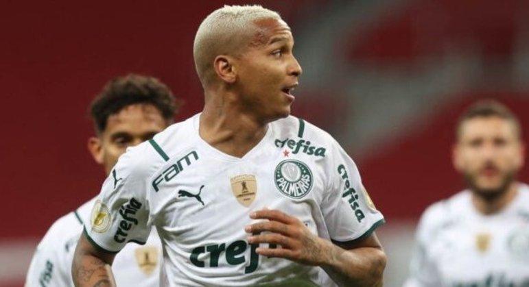 Deyverson renasceu no Palmeiras. Abel foi direto, firme com o jogador. Exigiu seriedade