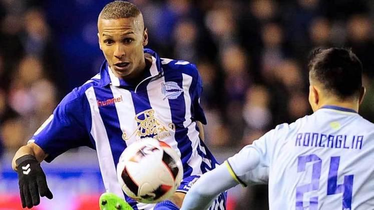 Deyverson (29 anos) - Posição: atacante - Clube atual: Alavés - Valor de mercado: três milhões e meio de euros.