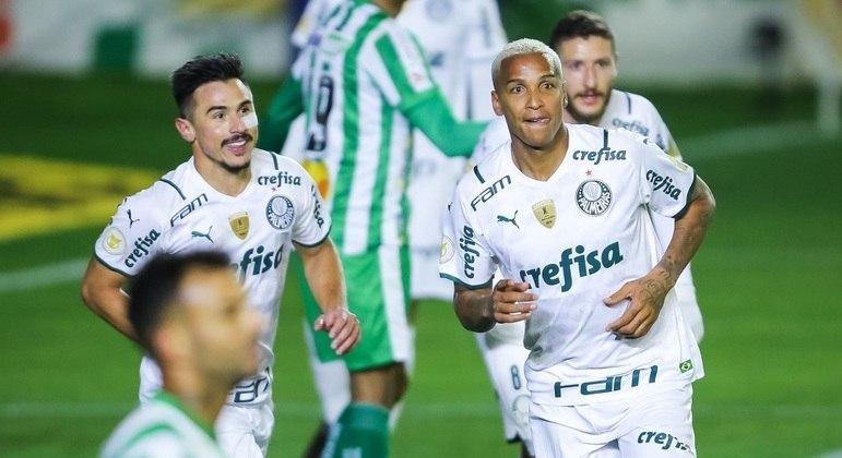 Deyverson mostrou estilo na cabeçada e fez o segundo do Palmeiras contra o Juventude