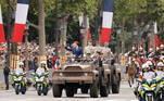 A França celebrou nesta quarta-feira (14) seu feriado nacional com o tradicional desfile militar na famosa Avenida Champs-Elysées, presidido pela última vez por Emmanuel Macron em seu atual mandato de cinco anos à frente do governo