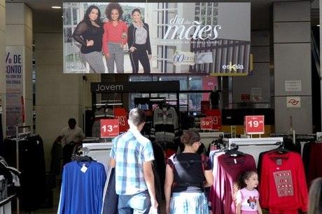 Paulistanos pretendem gastar R$ 211