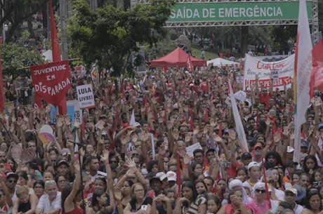 Trabalhadores se reuniram em todo o Brasil nesta