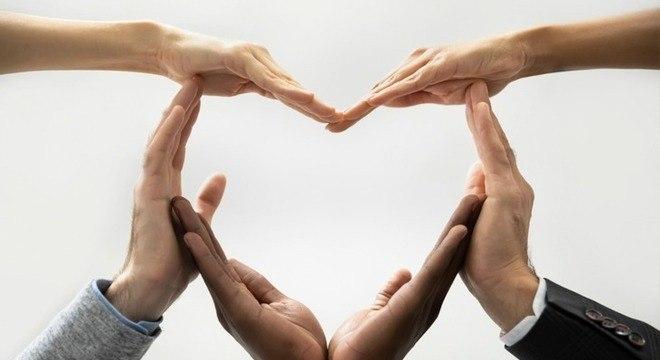 Dia Mundial do Coração: os benefícios das frutas vermelhas para o órgão