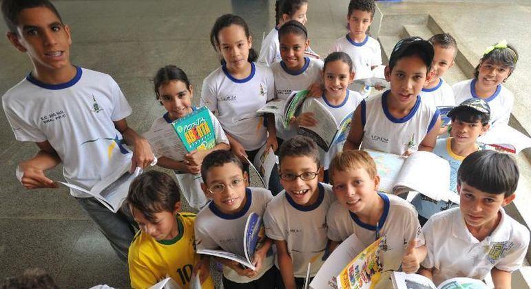 Dia Nacional do Livro Infantil: leitura deve ser estimulada em casa desde cedo