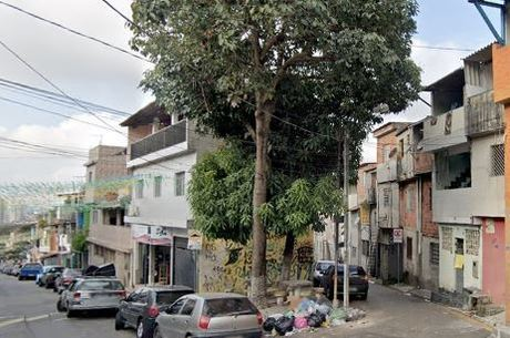 """Rua onde foi encontrada """"casa-cofre"""" em Diadema"""