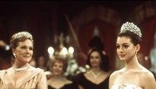 Anne Hathaway celebra 20 anos do filme 'O Diário da Princesa'
