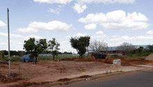 Prefeitura tenta há meses barrar invasão em área pública na Capital
