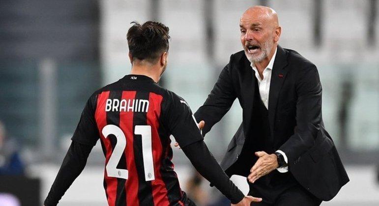 A festa de Brahim Díaz com o treinador Stefano Pioli