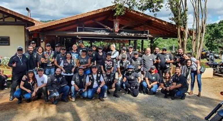 Centro de Lazer Pitauá é excelente para reunir amigos, almoçar e relaxar. Foto tirada antes da pandemia em janeiro 2020