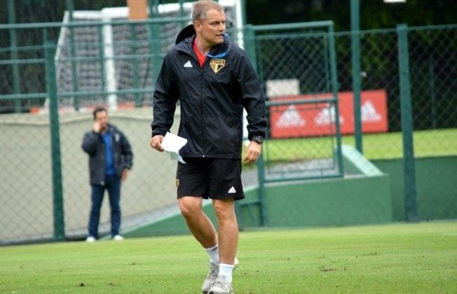 Diego Aguirre - O técnico do São Paulo naquela ocasião era o uruguaio Diego Aguirre, que chegou naquela temporada depois de passar pelo San Lorenzo. Saiu da equipe após desgaste com o elenco no fim do Brasileirão. Está no comando do Al-Rayyan, do Catar.